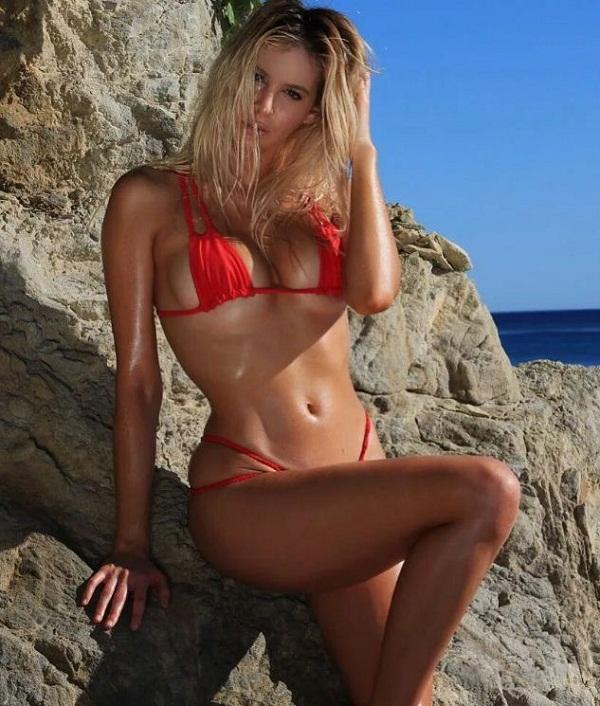 фото девушек в купальных костюмах на пляже (29)